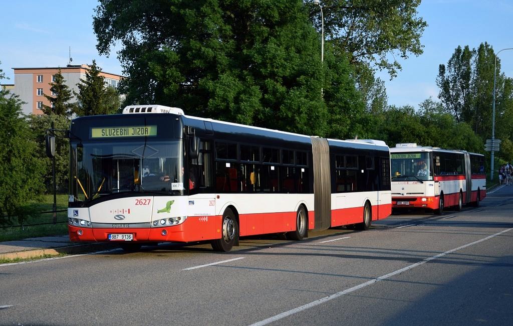 Fotogalerie » Solaris Urbino 18 III 9B7 9136 2627 | Karosa B961E.1970 6B6 6823 2381 | Brno | Bystrc | Rakovecká