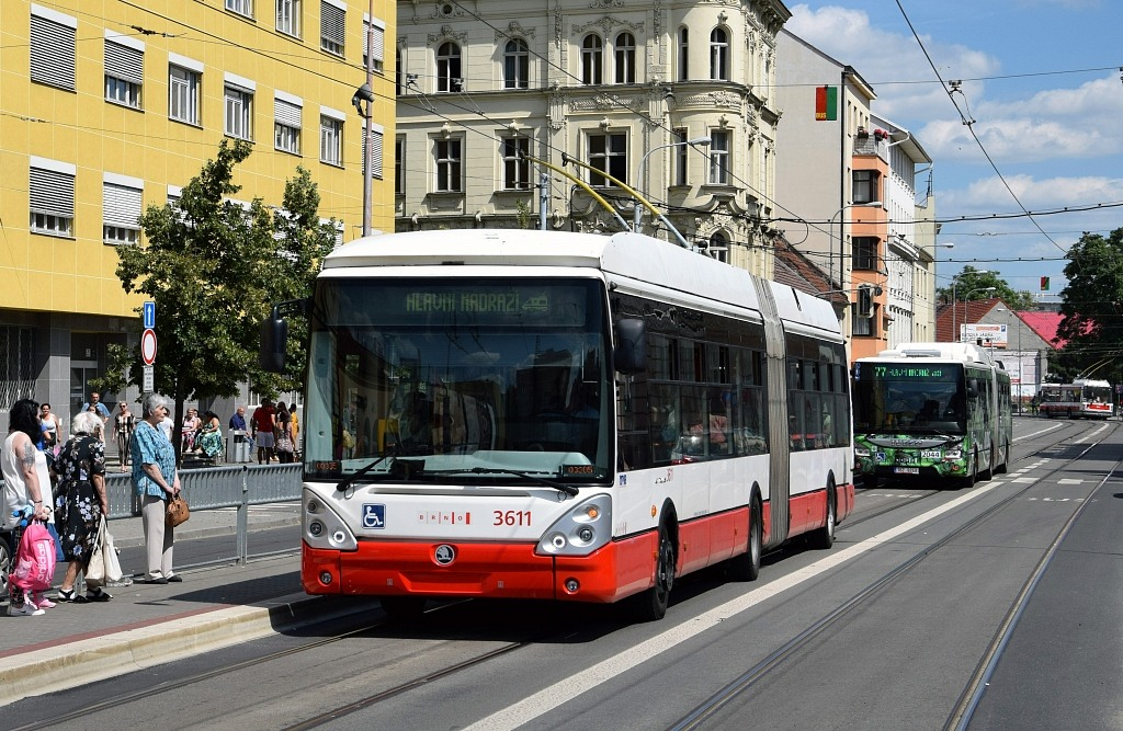 Fotogalerie » Škoda 25Tr Citelis 1B 3611 | Iveco Urbanway 18M CNG 1BZ 9269 2044 | Brno | Trnitá | Křenová | Vlhká