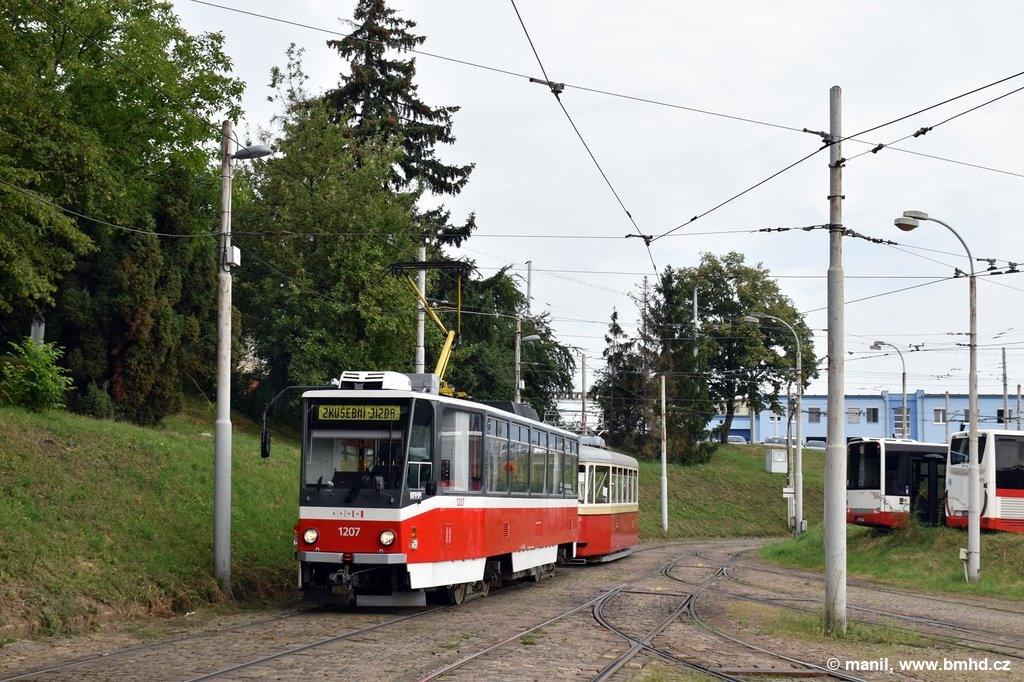 Fotogalerie » ČKD DS T6A5 1207 | KPS Brno 4MT2 134 | Brno | vozovna Medlánky