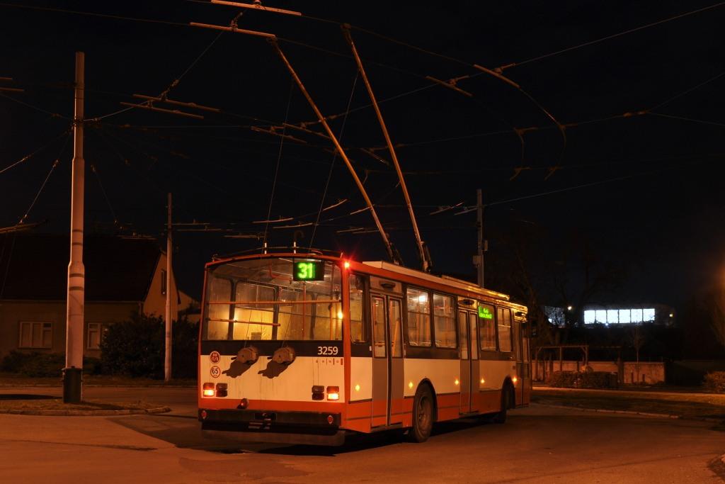 Fotogalerie » Škoda 14Tr14 3259 | Šlapanice | Brněnská | Kalvodova