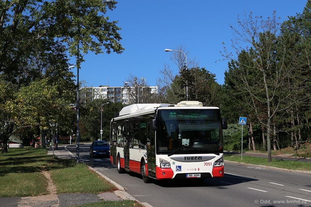 Fotogalerie » Iveco Urbanway 12M CNG 1BB 6895 7051   Brno   Lesná   Okružní