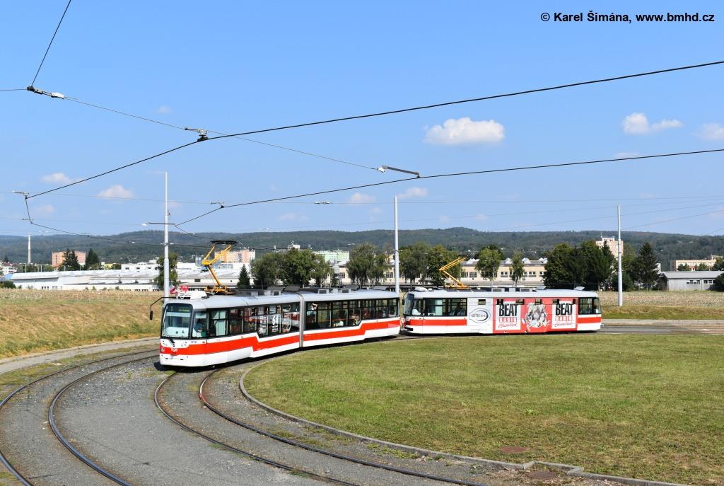 Fotogalerie » Pragoimex VarioLF2R.E 1128   Pragoimex VarioLFR.E 1539   Brno   Medlánky   Purkyňova   Technologický park, smyčka