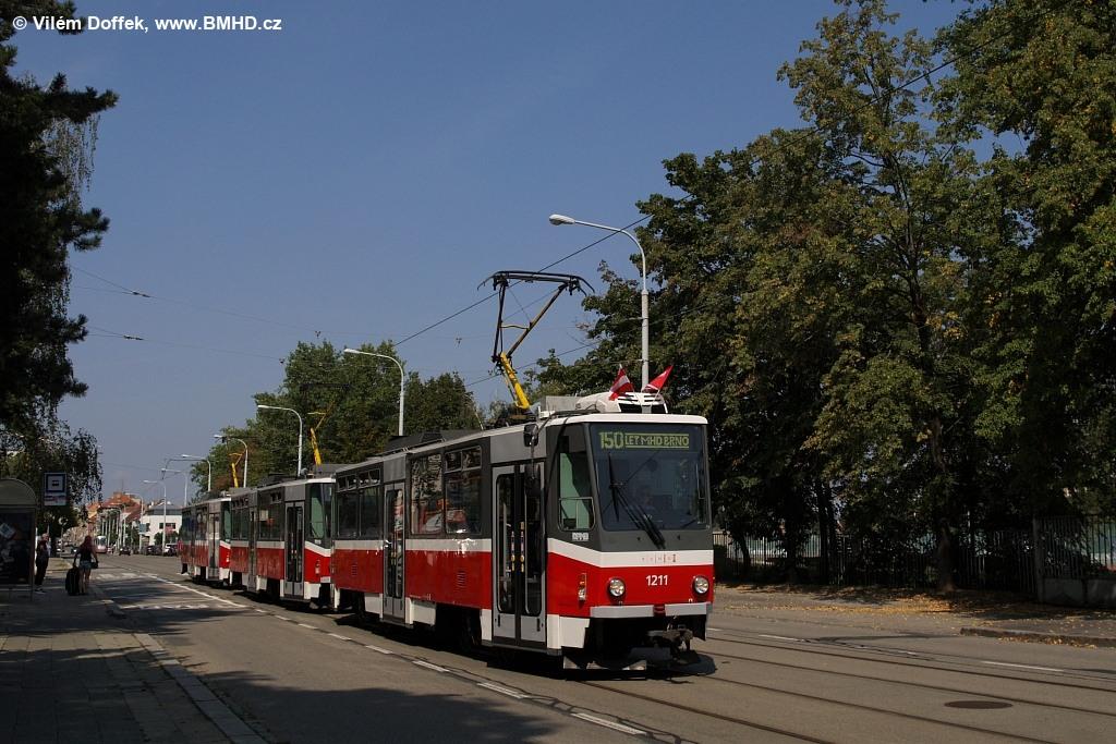 Fotogalerie » ČKD DS T6A5 1211 | ČKD DS T6A5 1212 | ČKD DS T6A5 1208 | Brno | Královo Pole | Jana Babáka | Tererova