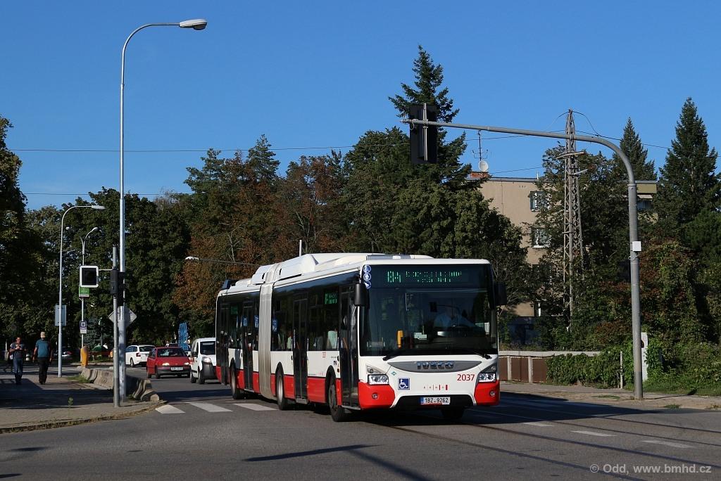 Fotogalerie » Iveco Urbanway 18M CNG 1BZ 9262 2037   Brno   Štefánikova Čtvrť   Merhautova