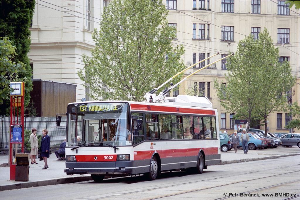 Fotogalerie » Škoda 21Tr 3002 | Brno | střed | Komenského náměstí | Komenského náměstí