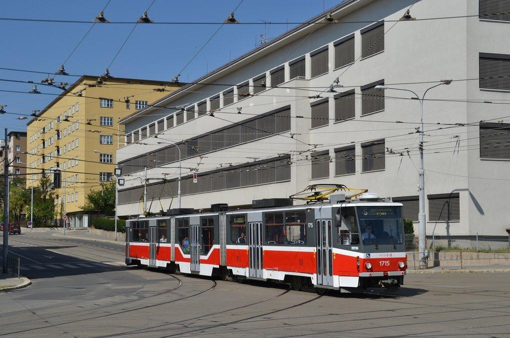 Fotogalerie » ČKD Tatra KT8D5R.N2 1715 | Brno | Černá Pole | Merhautova