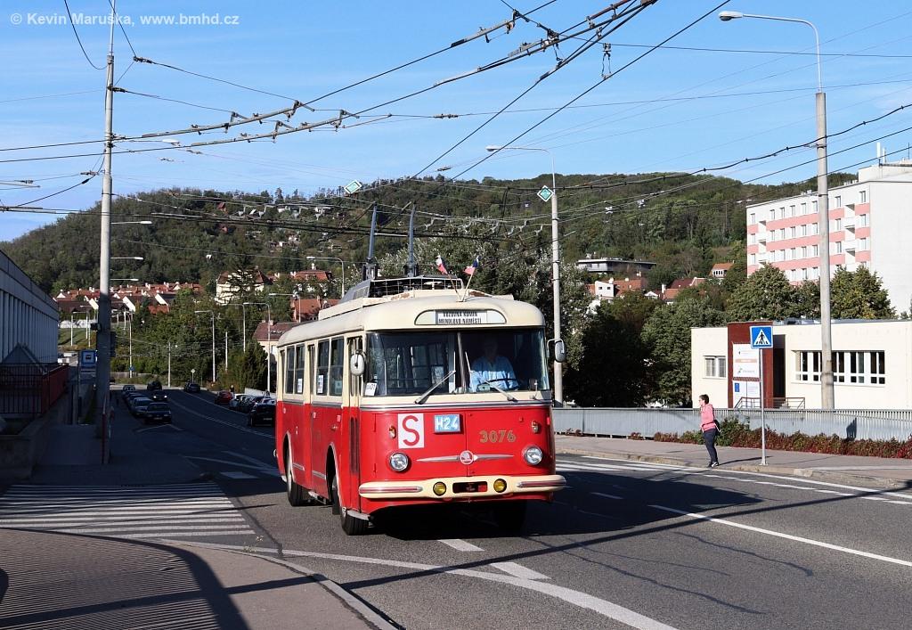 Fotogalerie » Škoda 9Tr17 3076 | Brno | Komín | Veslařská | Vozovna Komín