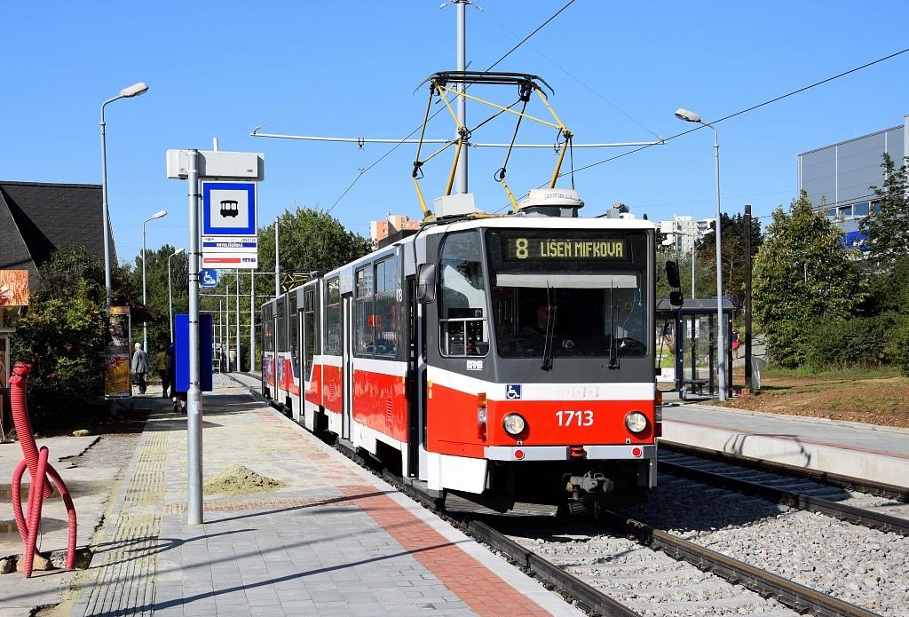 Fotogalerie » ČKD Tatra KT8D5R.N2 1713 | Brno | Líšeň | Novolíšeňská | Novolíšeňská