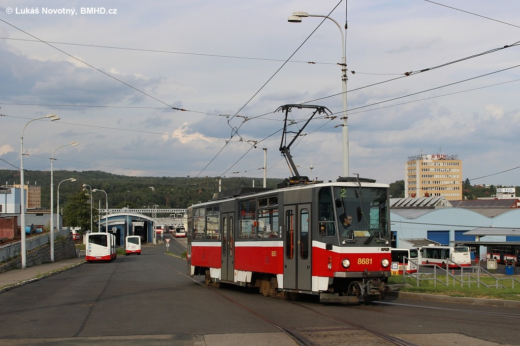 Fotogalerie » ČKD DS T6A5 1228 | Brno | Medlánky | Vozovna Medlánky