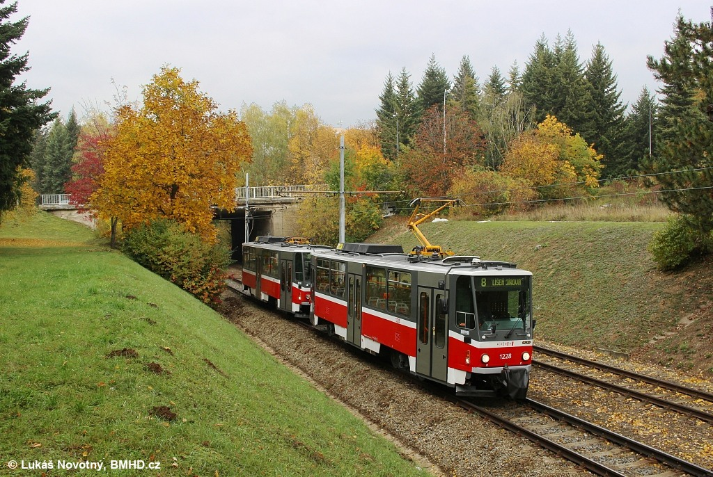 Fotogalerie » ČKD DS T6A5 1228 | ČKD DS T6A5 1223 | Brno | Bohunice