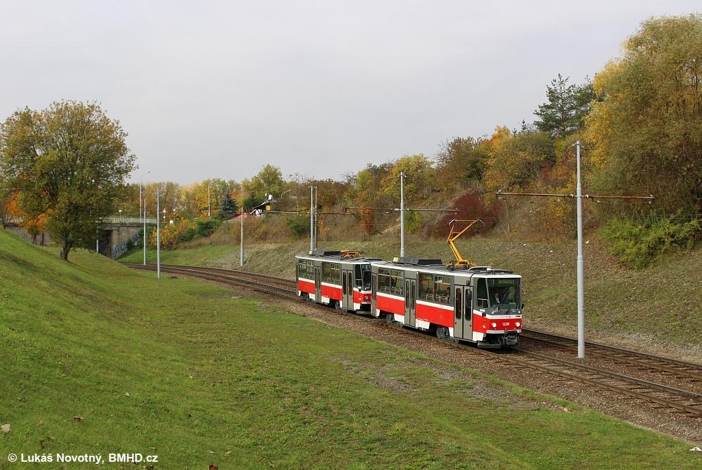 Fotogalerie » ČKD DS T6A5 1228 | ČKD DS T6A5 1223 | Brno | Bystrc