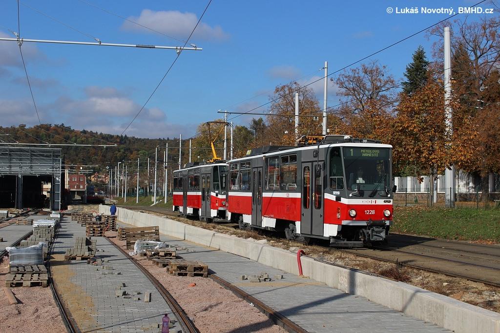 Fotogalerie » ČKD DS T6A5 1228 | ČKD DS T6A5 1223 | Brno | Pisárky