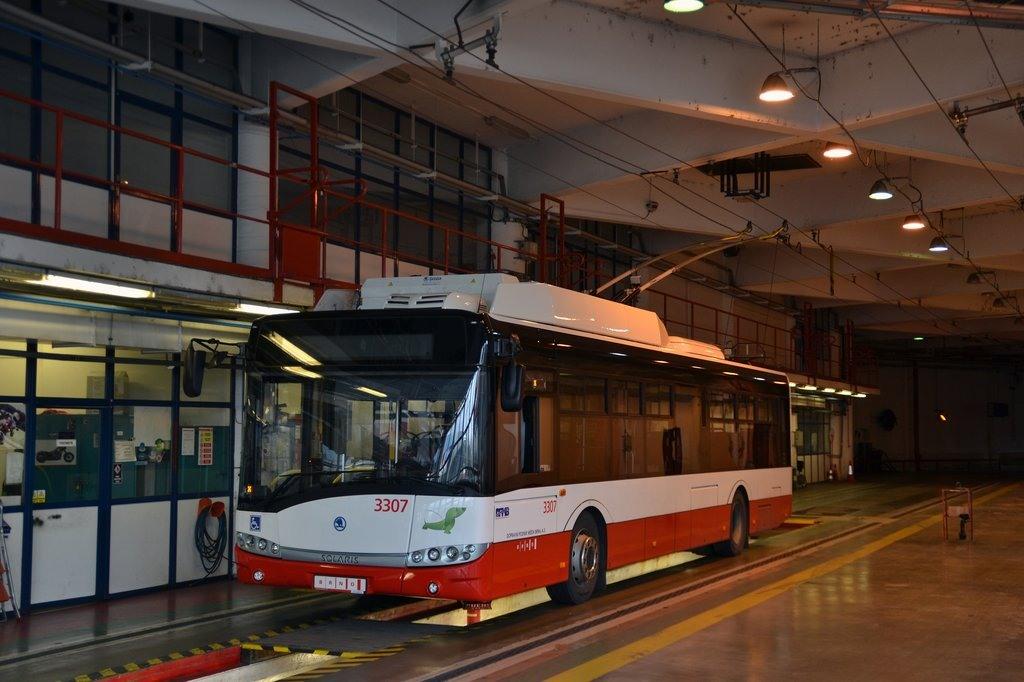 Fotogalerie » Škoda 26Tr 3307 | Brno | vozovna Komín
