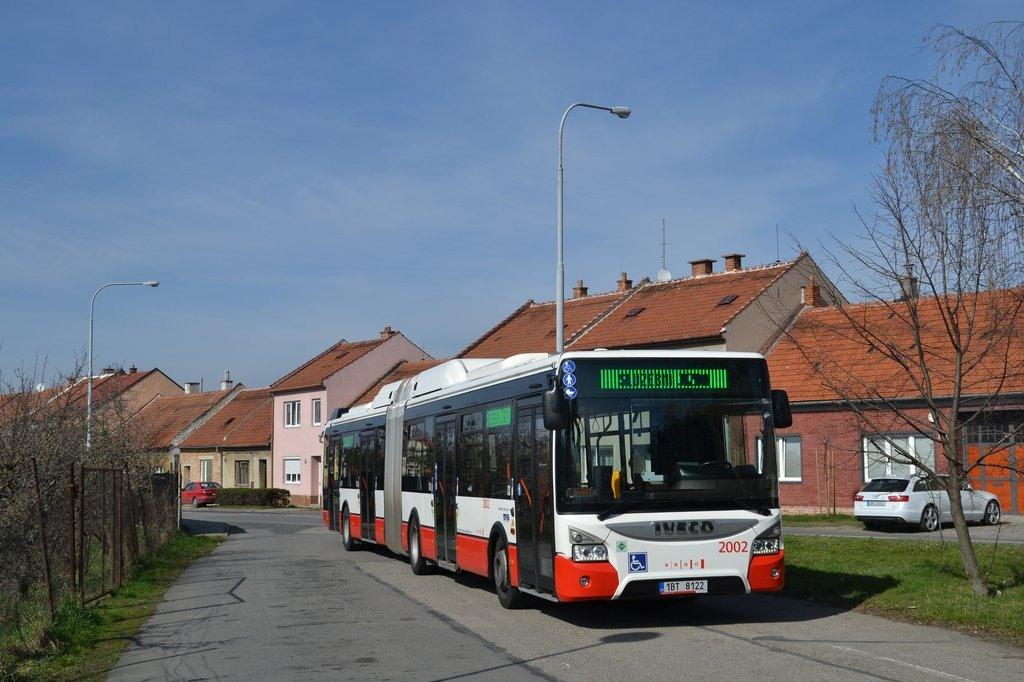 Fotogalerie » Iveco Urbanway 18M CNG 1BT 8122 2002 | Brno | Tuřany | Sokolnická | Tuřany, smyčka