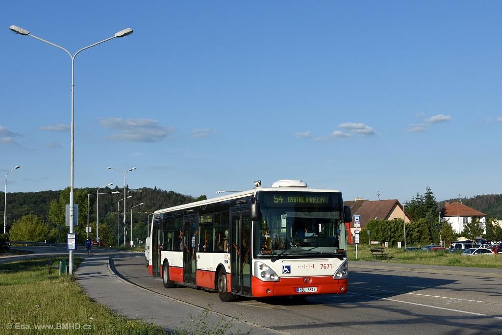 Fotogalerie » Irisbus Citelis 12M 1BL 8646 7671 | Brno | Bystrc | Obvodová | Přístaviště