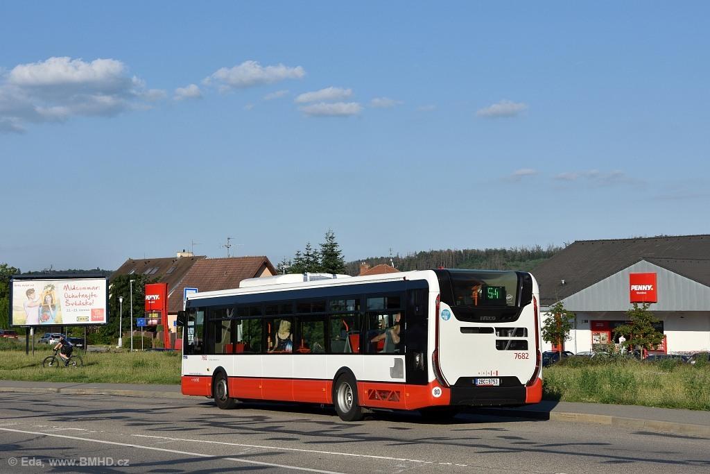 Fotogalerie » Iveco Urbanway 12M 2BC 9753 7682   Brno   Bystrc   Obvodová   Přístaviště