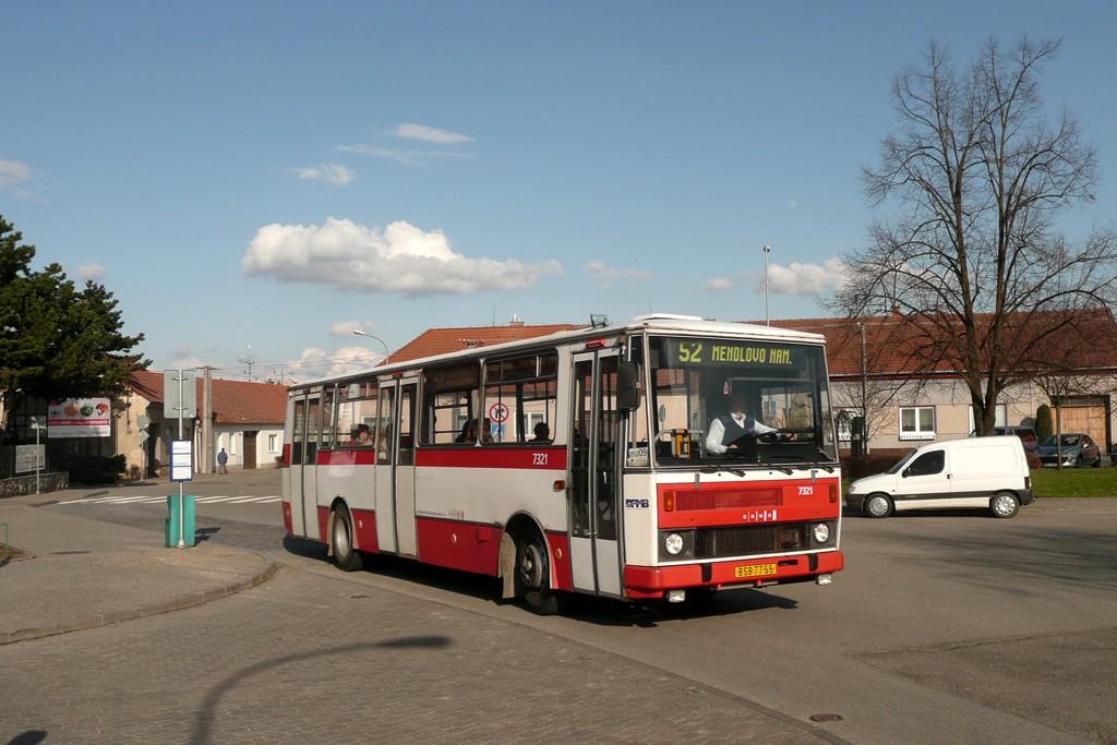 Fotogalerie » Karosa B732.1652 BSB 77-55 7321 | Brno | Žebětín | Křivánkovo náměstí | Křivánkovo náměstí