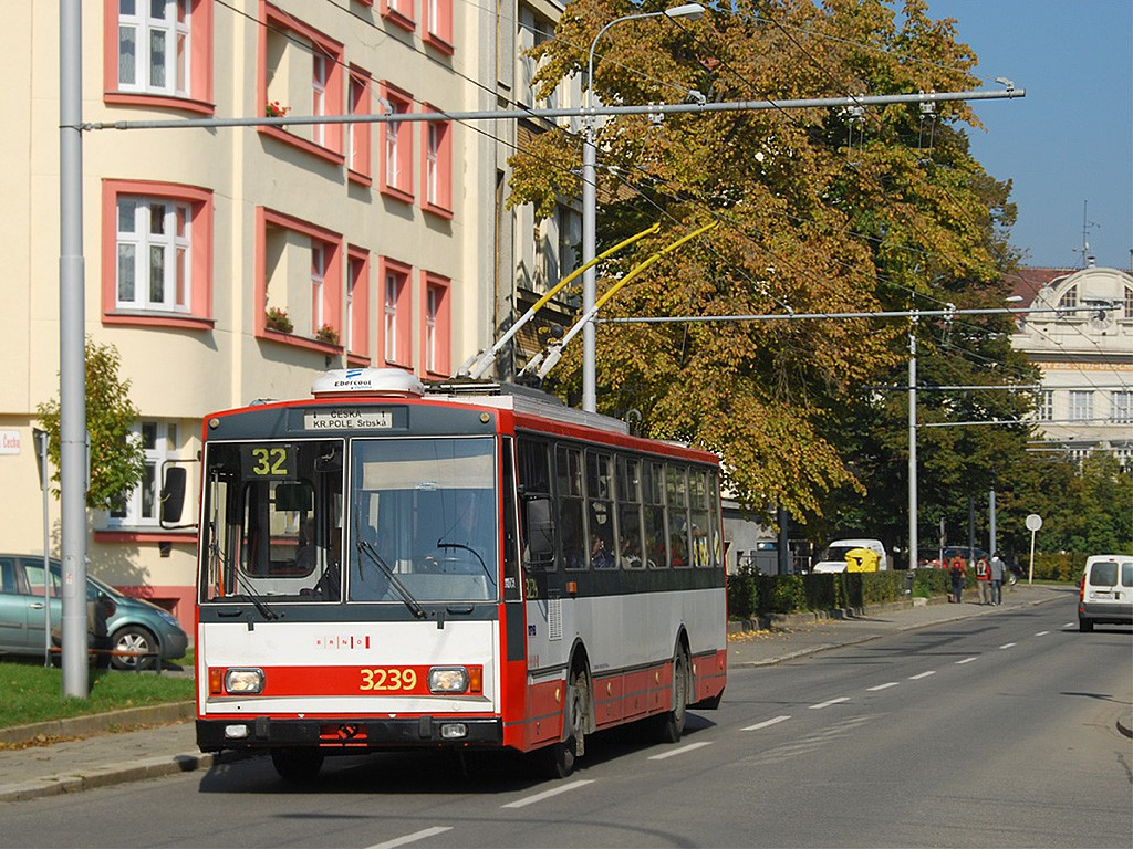 Fotogalerie » Škoda 14Tr10/6 3239 | Brno | Královo Pole | Charvatská