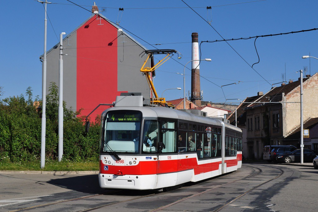 Fotogalerie » Pragoimex VarioLF2R.E 1098 | Brno | Husovice | Valchařská | Cacovická