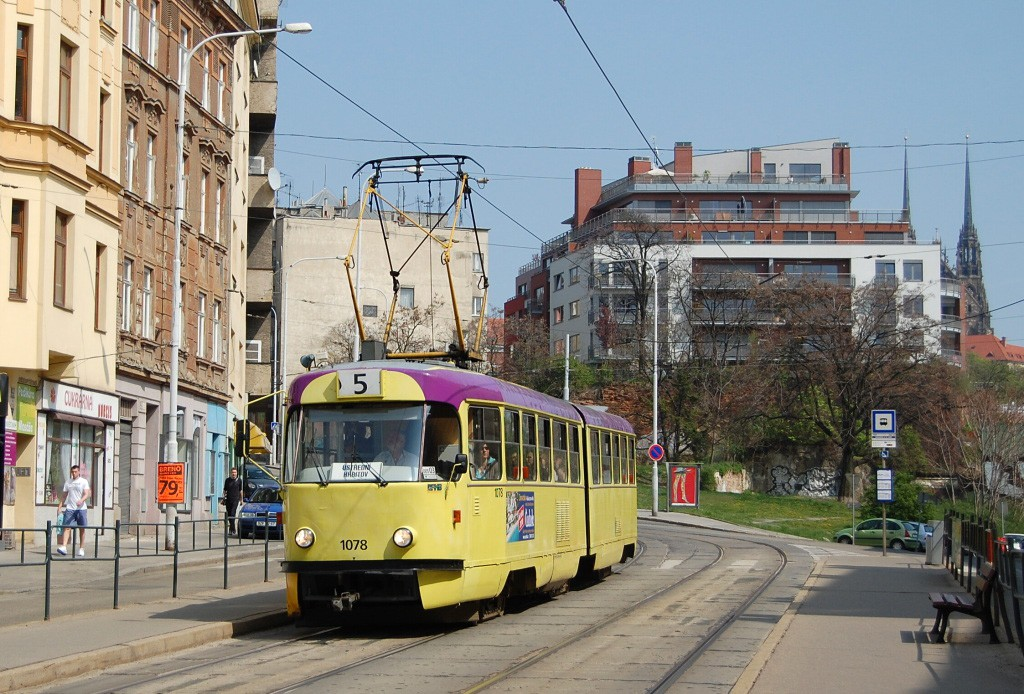 Fotogalerie » ČKD Tatra K2MM 1078 | Brno | Staré Brno | Pekařská | Nemocnice u Svaté Anny