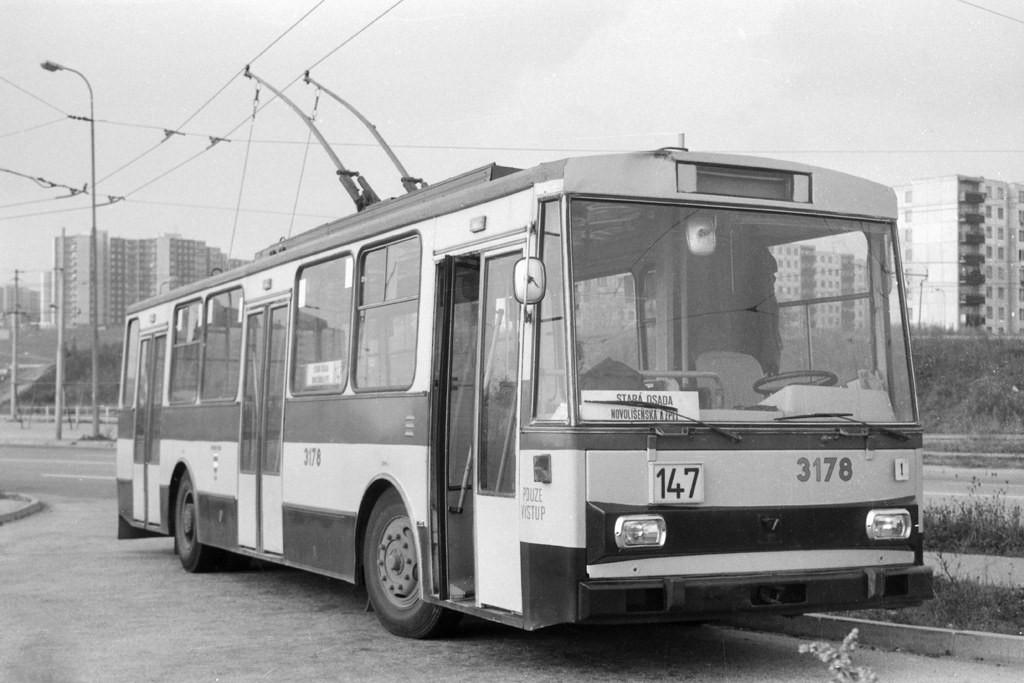 Fotogalerie » Škoda 14Tr01 3178   Brno   Líšeň   Novolíšeňská   Novolíšeňská