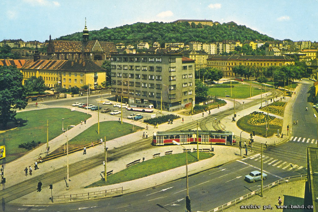 Fotogalerie » | Brno | Staré Brno | Mendlovo náměstí | Mendlovo náměstí