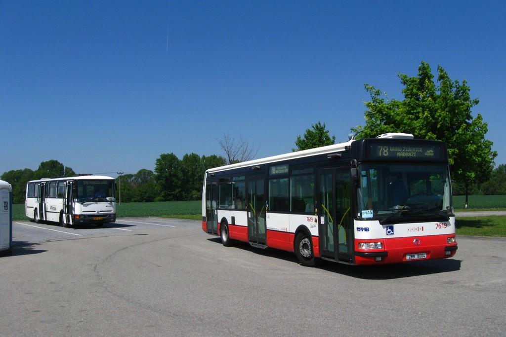 Fotogalerie » Irisbus Citybus 12M 2071.40 2B9 8004 7619 | Karosa C934E.1351 BSE 97-06 | Modřice | U Dálnice | Modřice, Olympia