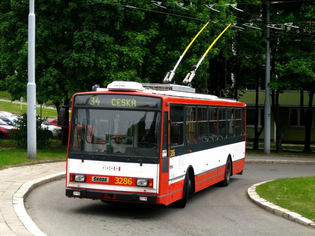 Fotogalerie » Škoda 14TrR 3286 | Brno | Žabovřesky | Vychodilova | Vychodilova, smyčka