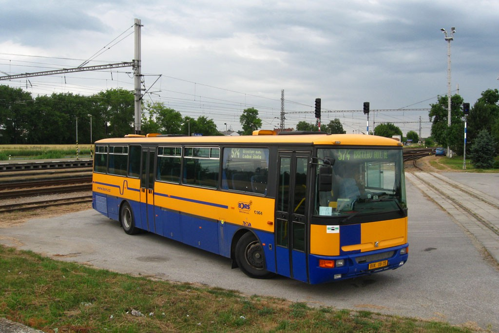 Fotogalerie » Karosa C954.1360 BVK 08-35   Podivín   Podivín, železniční stanice   odstavná plocha