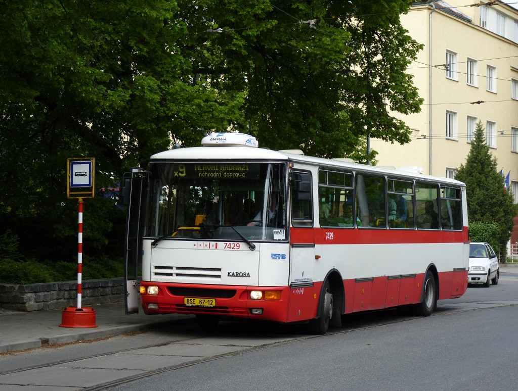Fotogalerie » Karosa B931.1675 BSE 67-12 7429 | Brno | Černá Pole | Zemědělská | Zemědělská