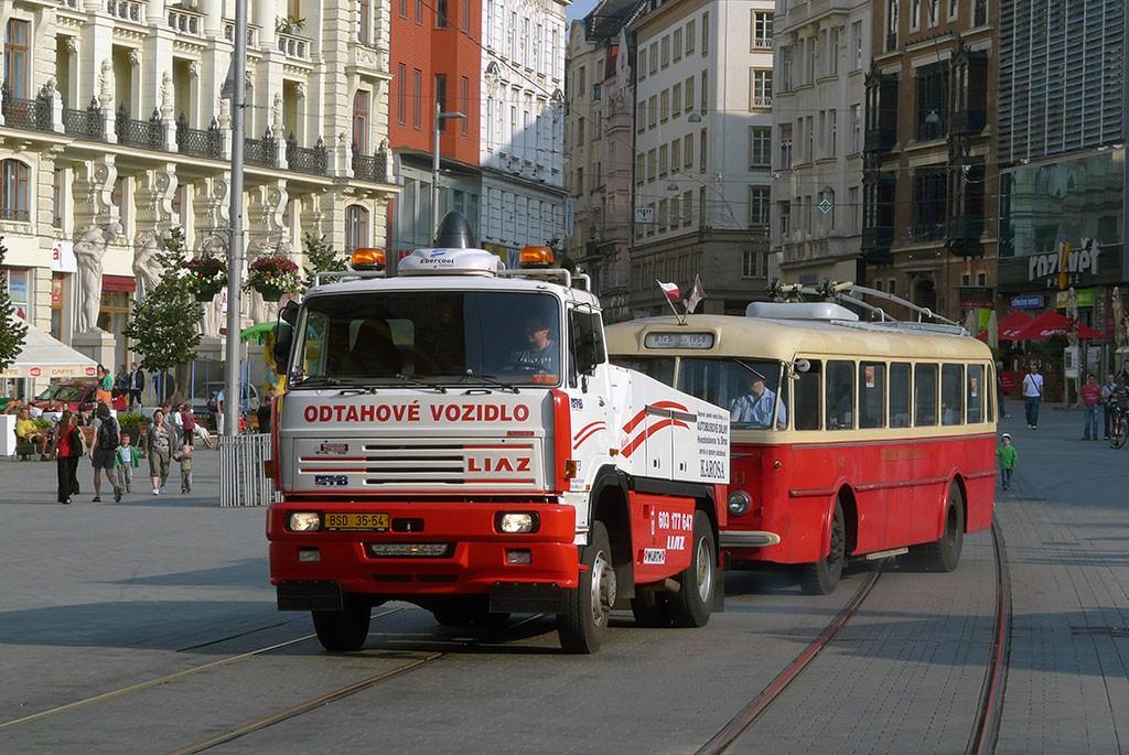Fotogalerie » Liaz LIAZ 151.261 BSD 35-54 5273 | Škoda 8Tr5 141 | Brno | střed | Náměstí Svobody | Náměstí Svobody