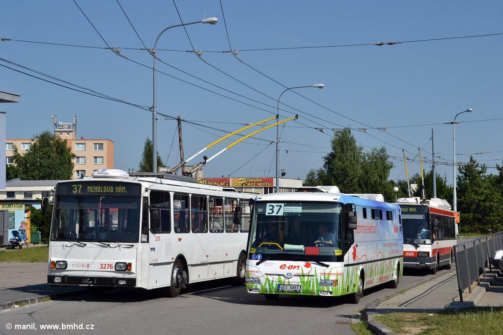 Fotogalerie » Škoda 14TrR 3276 | SOR EBN 10.5 4E3 6883 | Brno | Kohoutovice | Jírovcova, smyčka