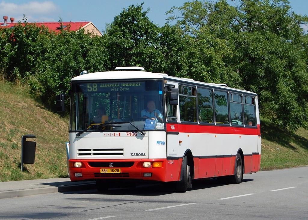 Fotogalerie » Karosa B931E.1707 BSH 16-28 7466 | Brno | Líšeň | Trnkova | Zetor, silnice