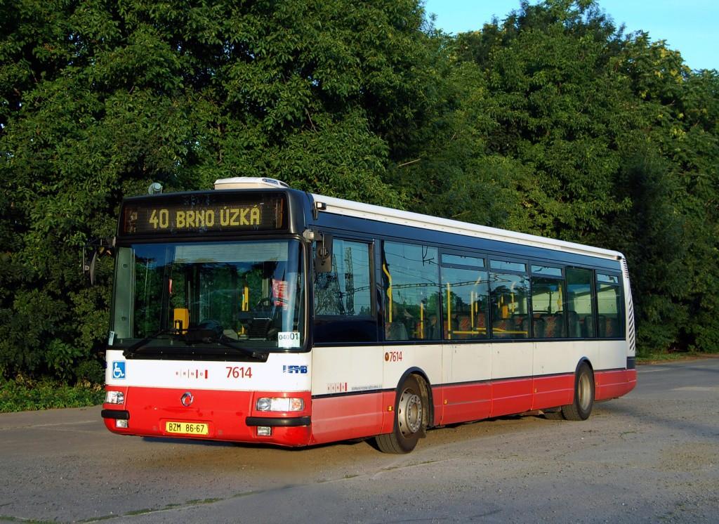 Fotogalerie » Irisbus Citybus 12M 2071.30 BZM 86-67 7614 | Sokolnice | K Nádraží