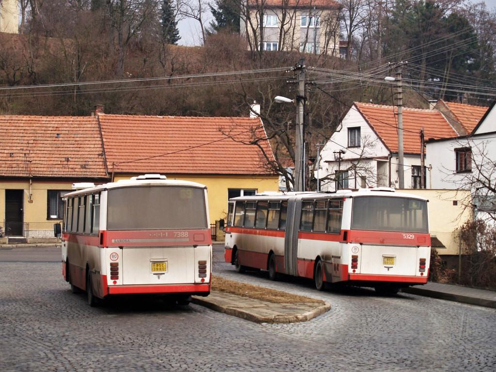 Fotogalerie » Karosa B732.1654.3 BSC 39-60 7388   Karosa B741.1924 BSC 50-32 5329   Brno   Bosonohy   Bosonožské náměstí   Bosonohy