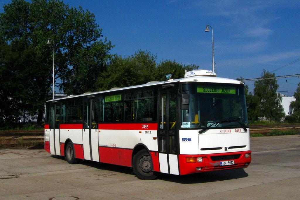 Fotogalerie » Karosa B951E.1713 4B4 5963 7492 | Brno | Slatina | Drážní | Slatina nádraží