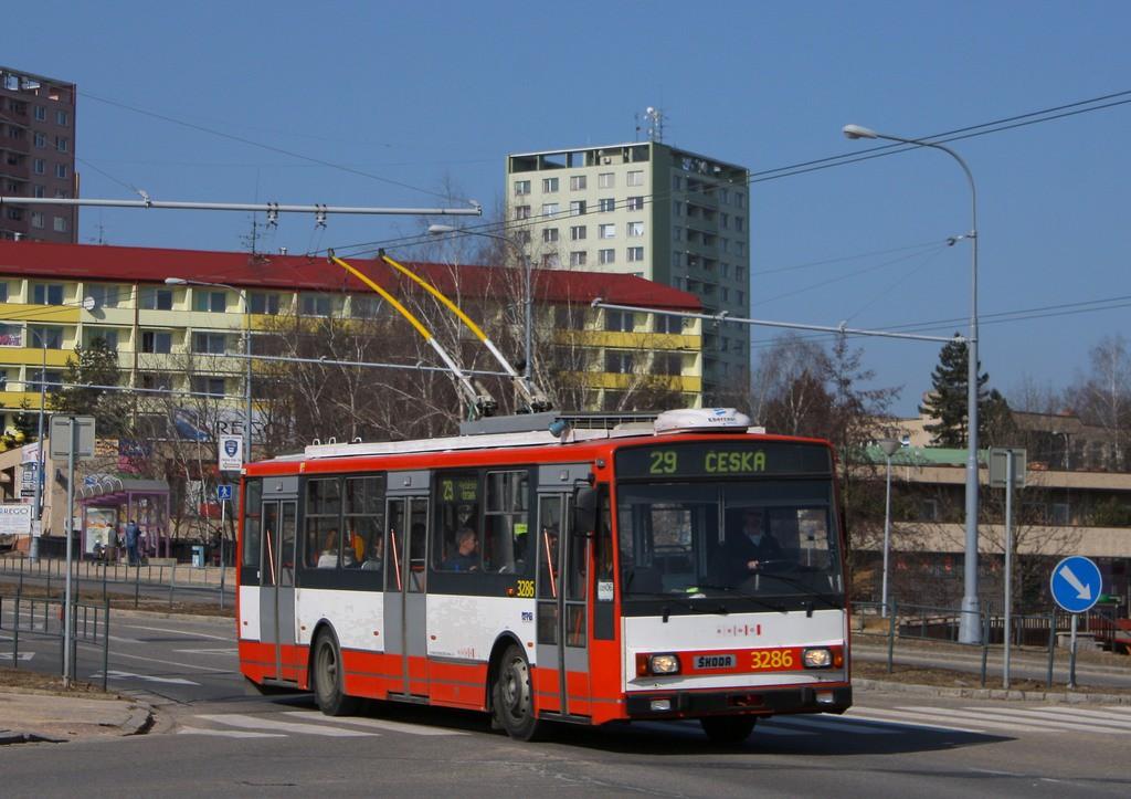 Fotogalerie » Škoda 14TrR 3286 | Brno | Kohoutovice | Libušina třída