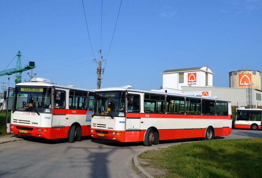 Fotogalerie » Karosa B931.1675 BSE 67-12 7429 | Karosa B931.1675 BSE 72-97 7438 | Brno | Černovice | Vinohradská | Staré Černovice