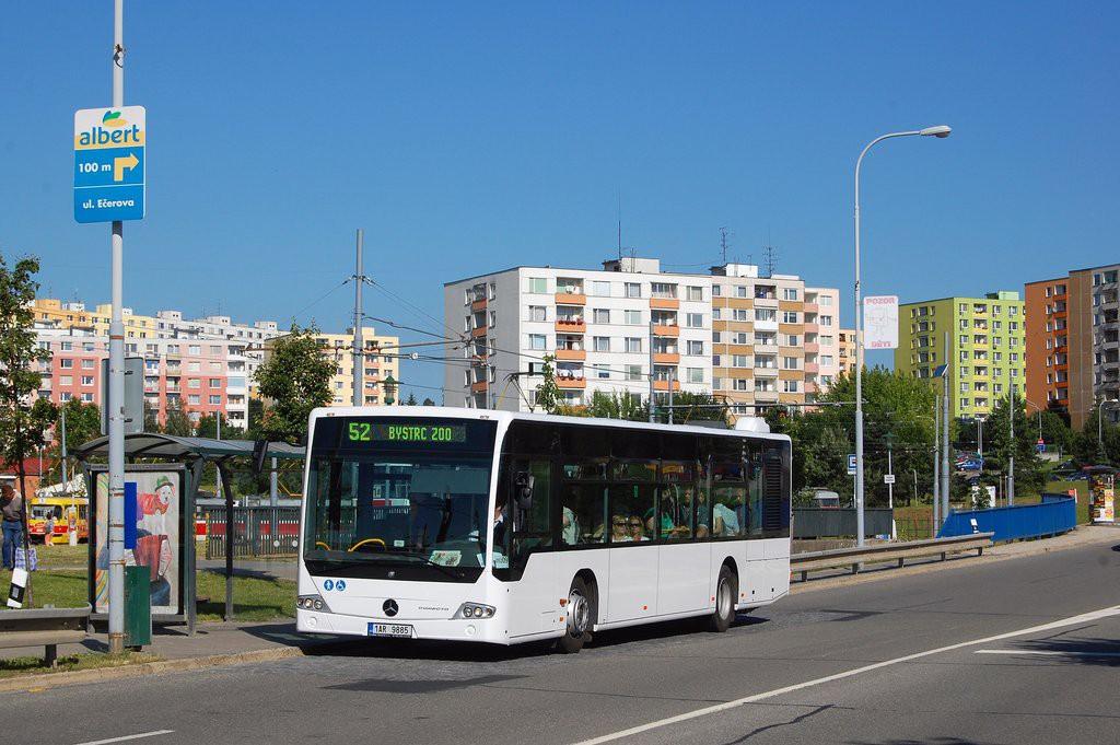Fotogalerie » Mercedes-Benz Conecto 12M 1AR 9885 2713 | Brno | Bystrc | Vejrostova | Ečerova