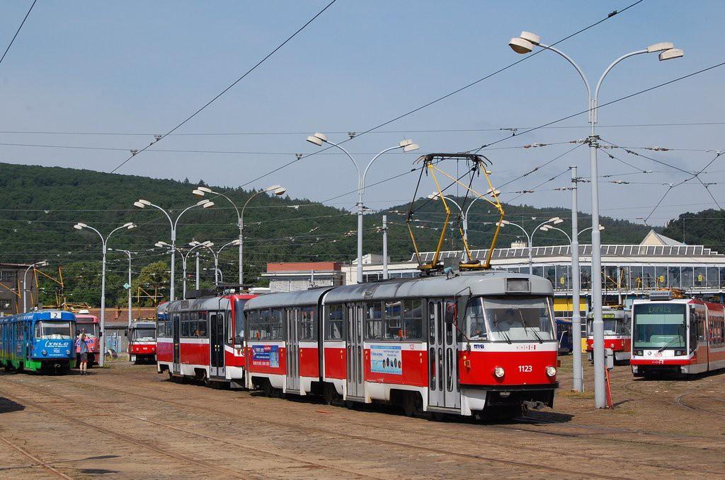 Fotogalerie » ČKD Tatra K2 1123 | ČKD DS T3R 1667 | Brno | vozovna Pisárky