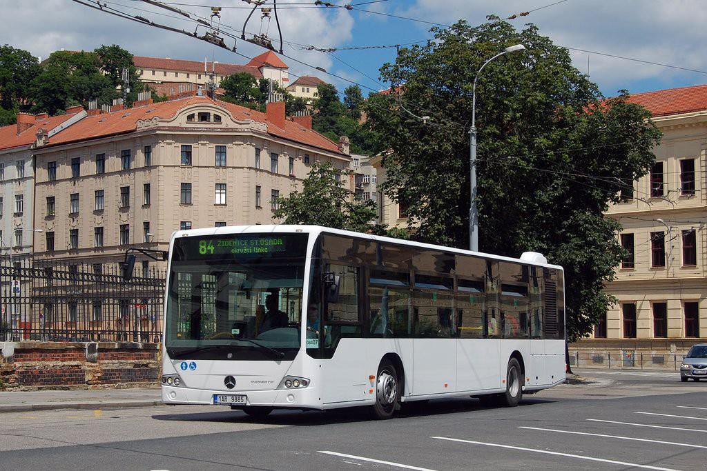 Fotogalerie » Mercedes-Benz Conecto 12M 1AR 9885 2713 | Brno | Staré Brno | Mendlovo náměstí