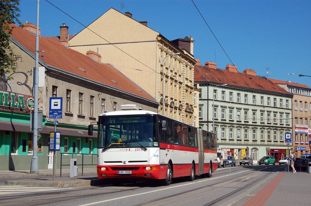 Fotogalerie » Karosa B961E.1970 4B0 2528 2377 | Brno | Staré Brno | Křížová | Poříčí