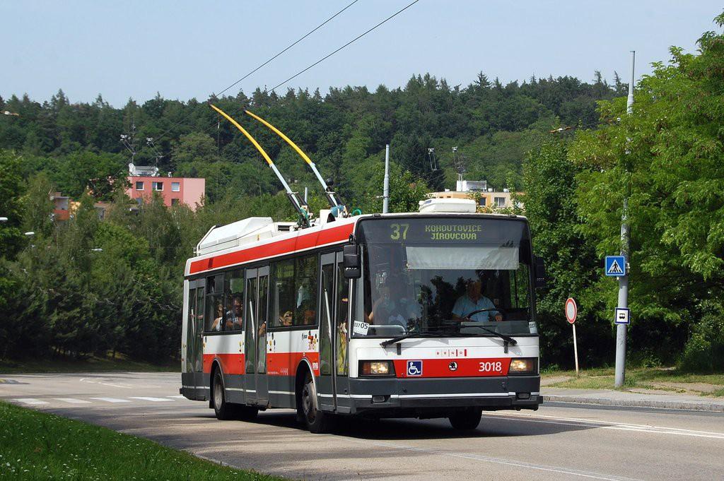 Fotogalerie » Škoda 21Tr 3018 | Brno | Kohoutovice | Libušino údolí