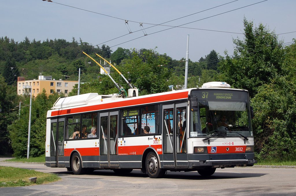 Fotogalerie » Škoda 21Tr 3032 | Brno | Kohoutovice | Libušino údolí | Borodinova