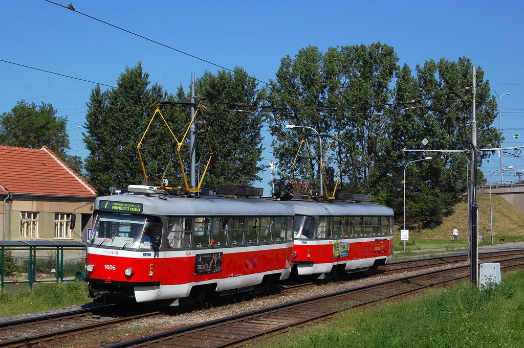 Fotogalerie » ČKD Tatra T3G 1606 | ČKD Tatra T3G 1608 | Brno | Starý Lískovec | Jemelkova