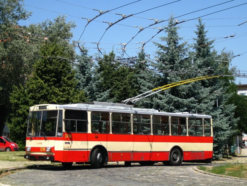 Fotogalerie » Škoda 14Tr08/6 3218 | Brno | Královo Pole | Srbská | Srbská, smyčka