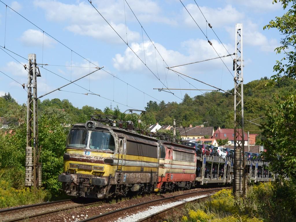 Fotogalerie » 230 230.032-5 | 230 230.039-0 | Brno | Obřany