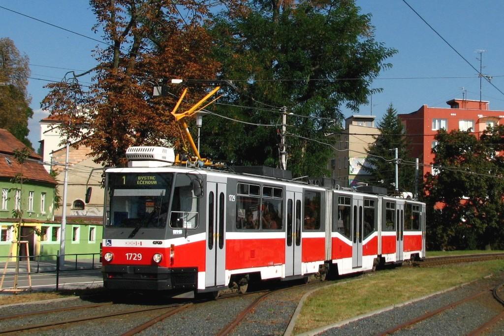Fotogalerie » ČKD Tatra KT8D5N 1729 | Brno | Pisárky | Hlinky | Výstaviště, hlavní vstup