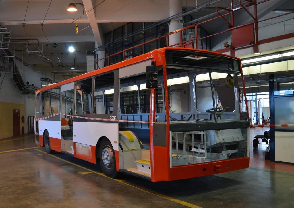 Fotogalerie » Škoda 15TrM 3506   Brno   Komín   vozovna Komín