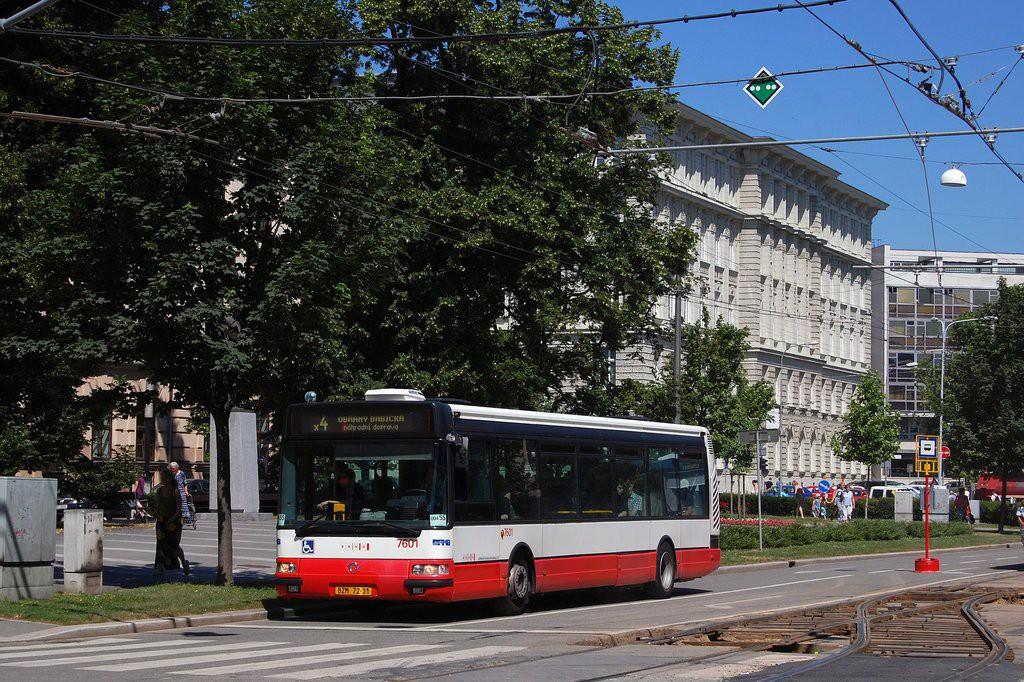 Fotogalerie » Irisbus Citybus 12M 2071.20 BZM 72-31 7601 | Brno | střed | Komenského náměstí